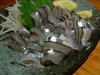 800px-Kibinago_sashimi_by_jetalone_in_Kagoshima[1].jpg